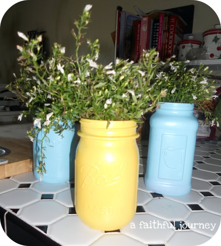 Easy Mason Jar Painted Planters