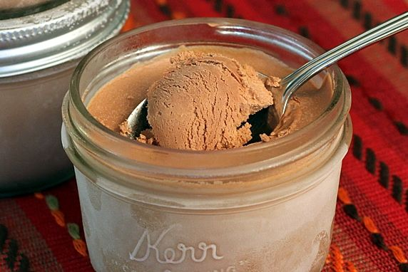 Chocolate Ice Cream Made in Mason Jars