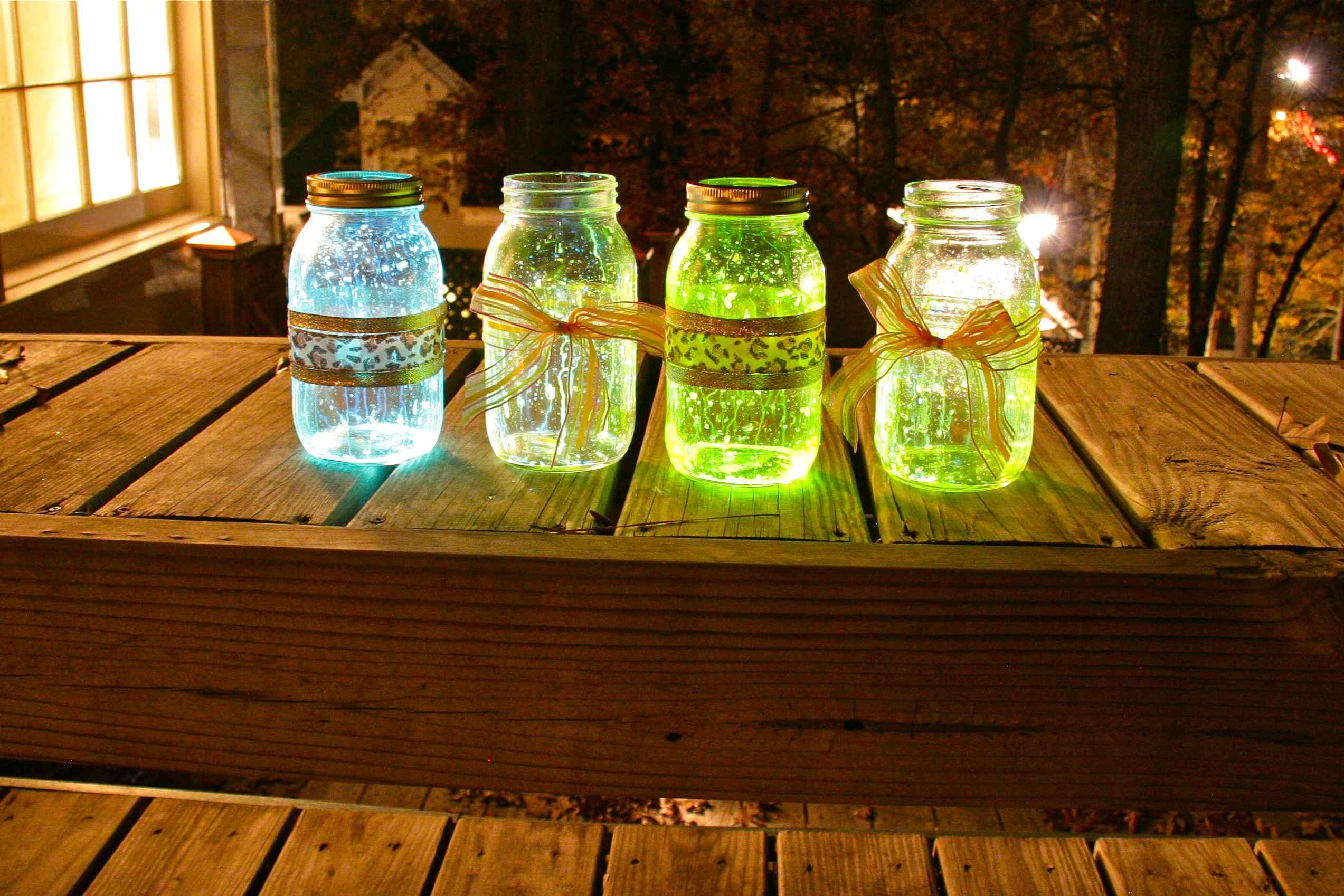 How to Make Easy Glow in the Dark Mason Jars
