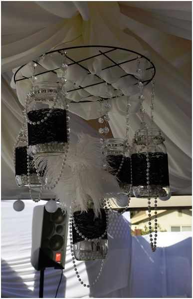 How to make a chandelier with Mason Jars.