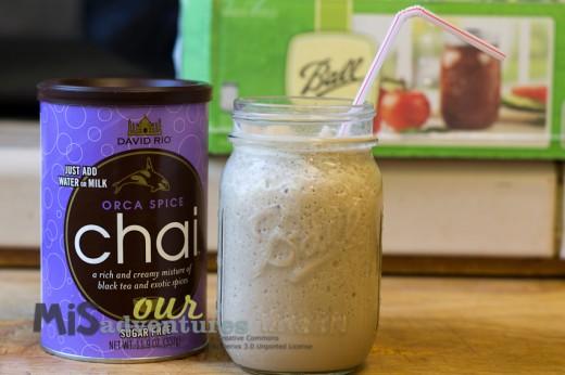 Make chai in a mason jar