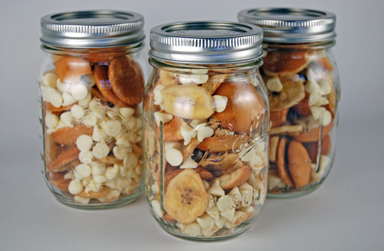Banana Pudding Snack Mix in a Mason Jar
