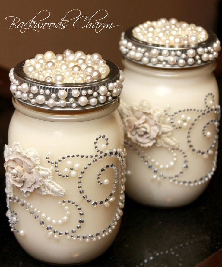 beautiful mason jar candles perfect for a wedding
