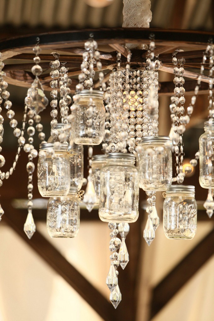 Stunningly beautiful mason jar chandelier mason jar crafts for Chandelier craft ideas