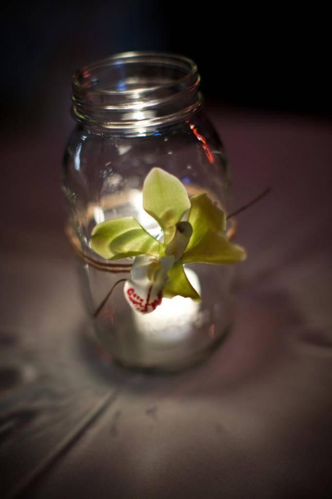 Mason Jar wedding ideas for a spring wedding.