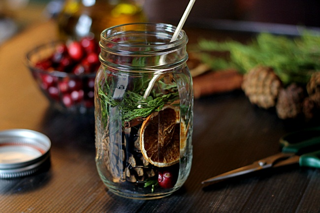 Risultati immagini per How To Make Scented Oil Mason Jar Candle