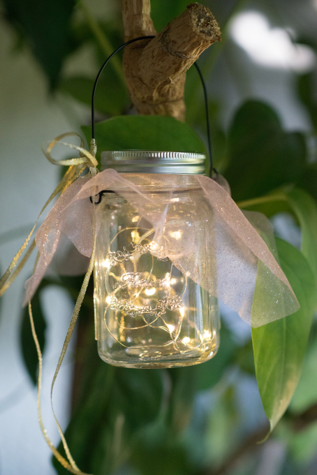 DIY Mason Jar With Fairy Lights