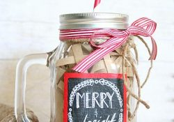 Chalkboard Mason Jars: A Fun How-To