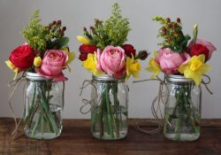 Mason Jar Flower Arrangements: DIY Ideas